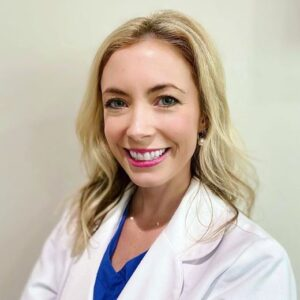 A very warm welcome to the newest addition to our AWC team, Merrill, Cosmetic RN 🤗👋 @brightmshiny . Merrill specializes in cosmetic medicine including Botox, advanced dermal fillers, chemical peels and RF resurfacing! We are so happy to have her! . . #arcadiawellnesscenter #arcadia #sarahquinnnp #phoenix #biltmore #wellness #health #beauty #instagood #antiaging #botox #fillers #skincare #aesthetics #juvederm #dysport #restylane #lips #medicalweightloss #hcg #phoenixbotoxandfillers #phoenixcosmetics #bestbotoxscottsdale #phoenixbotox #arcadiabotox #scottsdaleskincare